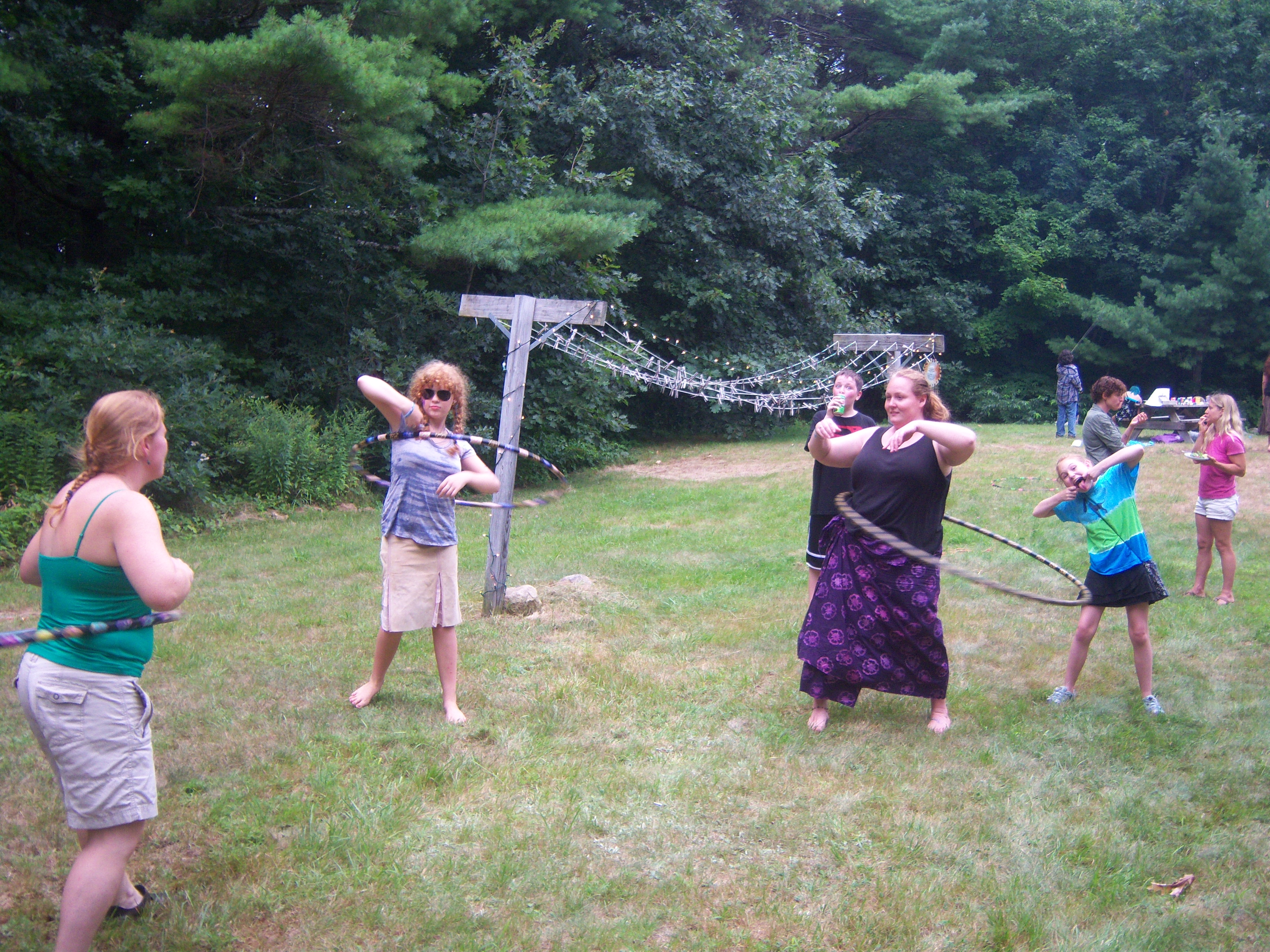 hula-hoopers